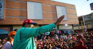 """Presidente Maduro aseguró que nuevo cono monetario """"refrescará"""" la economía"""