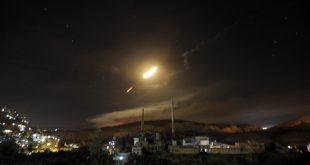 Vista de misiles de defensa aérea sirios hoy, jueves 10 de mayo de 2018, sobre Damasco (Siria)