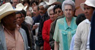 Más-de-11.000-pensionados-en-el-extranjero-no-reciben-su-pago-720x449