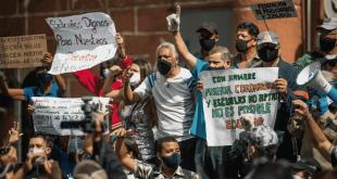 Protesta-por-salarios-en-Venezuela-1024x532